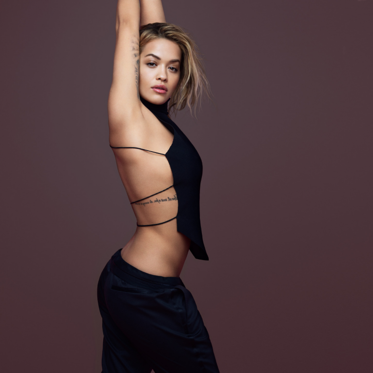 Rita Ora Press Shot 3. Credit Phil Poynter2 Plakat